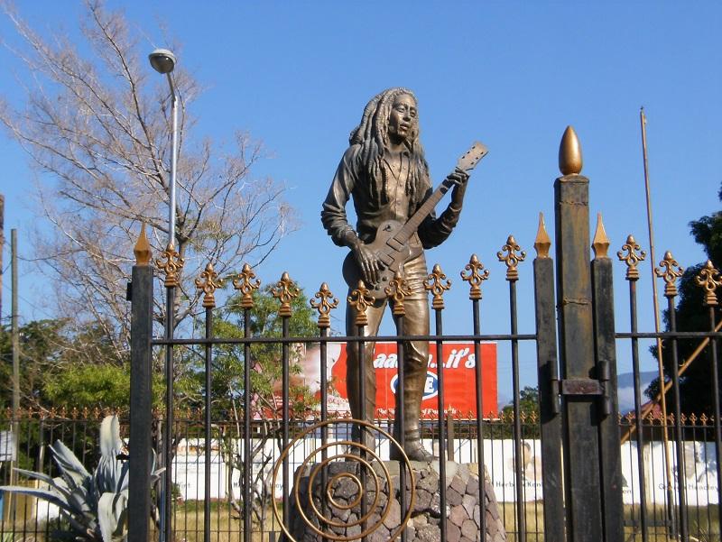 Bob Marley Statue- Avocette